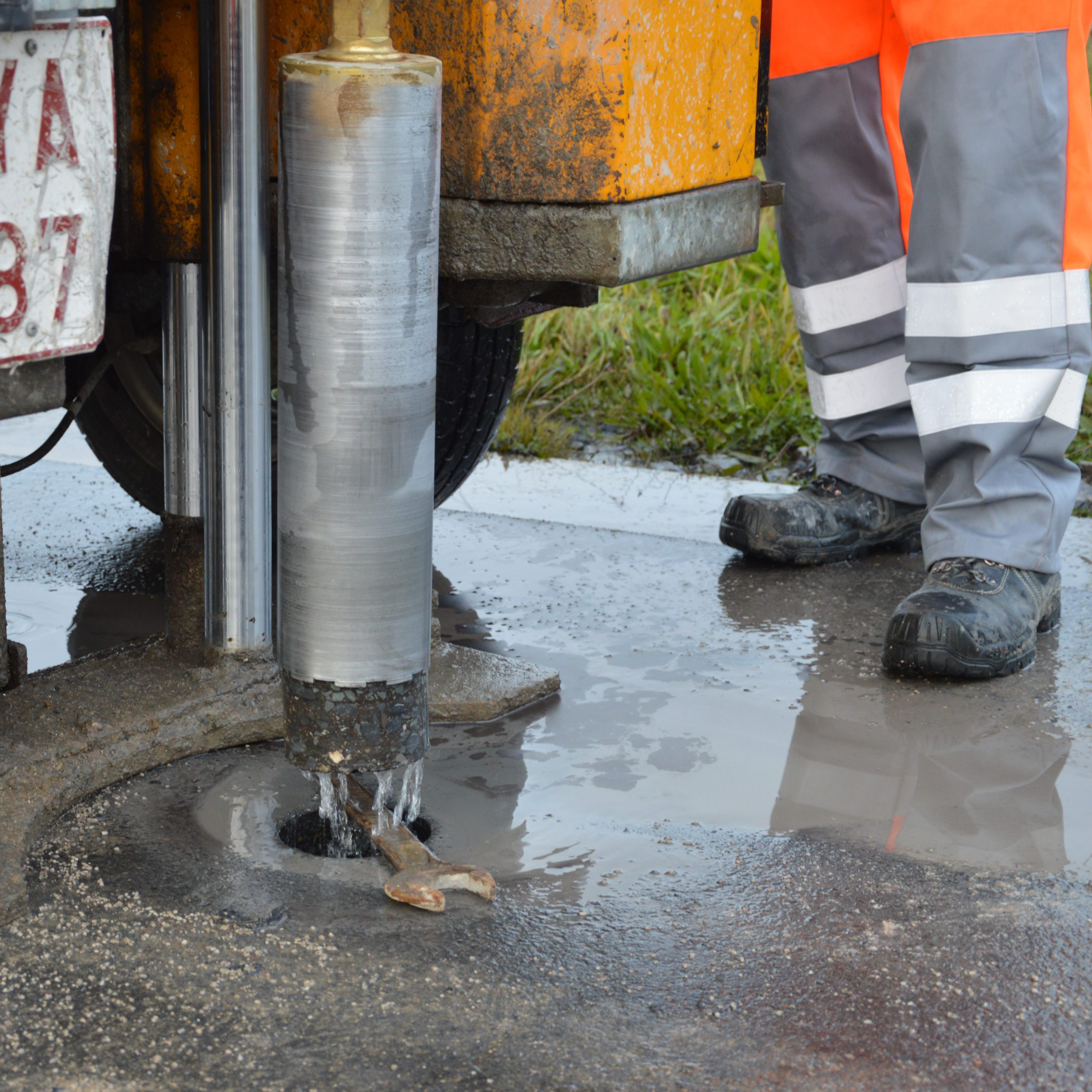 Kernboring op de werf | boren in waterafvoer| Disoma NV